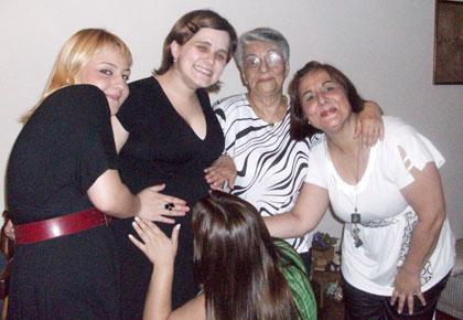Titia Gigi, bisa Célia, vovó Célia e madrinha