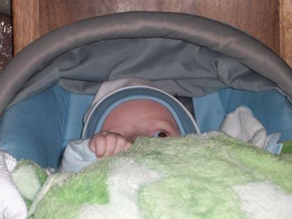 A me esconder do papai e da mamãe